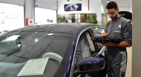 MASERATI RENCONTRE  LES AUTORITÉS ET SYNDICATS PUBLICS