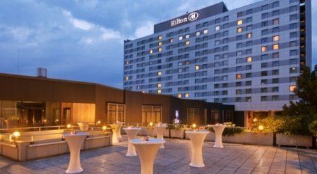 Le Hilton à Sidi Maarouf!