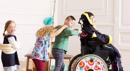 Enfants handicapés: Kiabi sort des vêtements dédiés