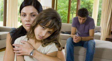 Famille : la gestion des femmes critiquée!