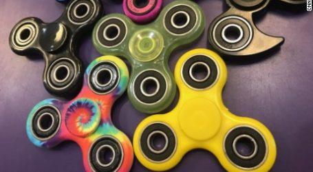 Fidget Spinner : le jouet qui fait fureur chez les mômes  (et bientôt chez les grands)
