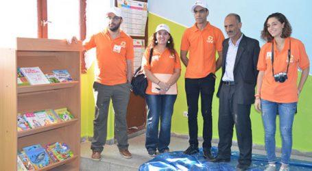 Community day « Opération peinture » organisé par la Fondation Attijariwafa bank avec l'association CARE International Maroc, au profit d'une école à Sidi Moumen, basé sur la mobilisation de collaborateurs bénévoles du Groupe