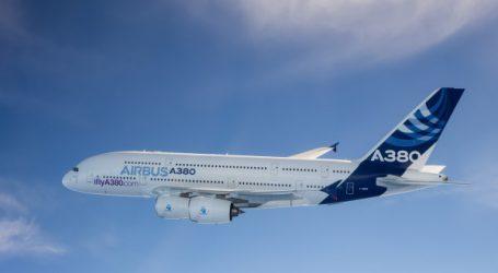 Airbus et Heathrow célèbrent le 10ème anniversaire du premier vol de l'A380 à destination de Londres