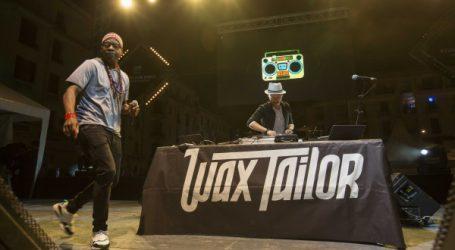 Exceptionnel show sonore et lyrique du génial  Wax Tailor sur la place des Nations-Unies !