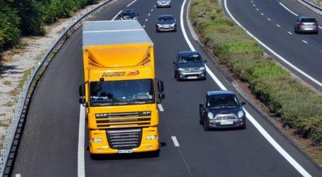 Autoroutes: bientôt des voies dédiées aux camions