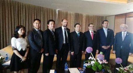 Rencontre entre le Chef du gouvernement marocain et le vice-président de Huawei Technologies