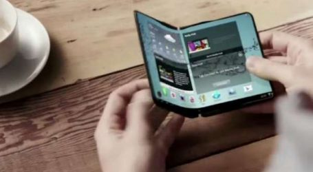 Samsung lève le voile sur son smartphone pliable