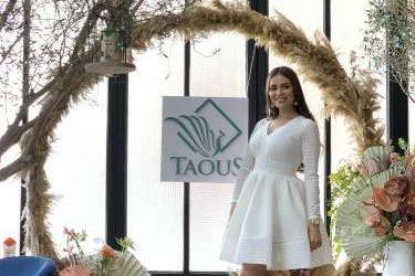 Taous s'associe à l'actrice Safae Hbirkou qui devient l'égérie de ses shampooings à la protéine de blé