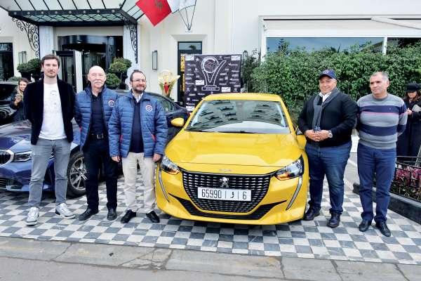 La Peugeot 208 élue voiture de l'année 2020 — Trophées de l'automobile
